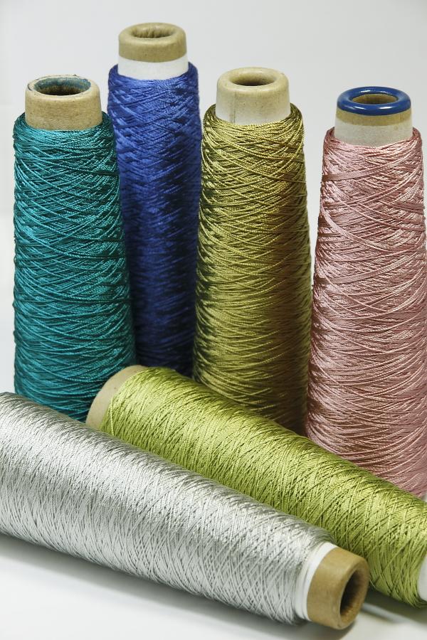 タッセルの糸